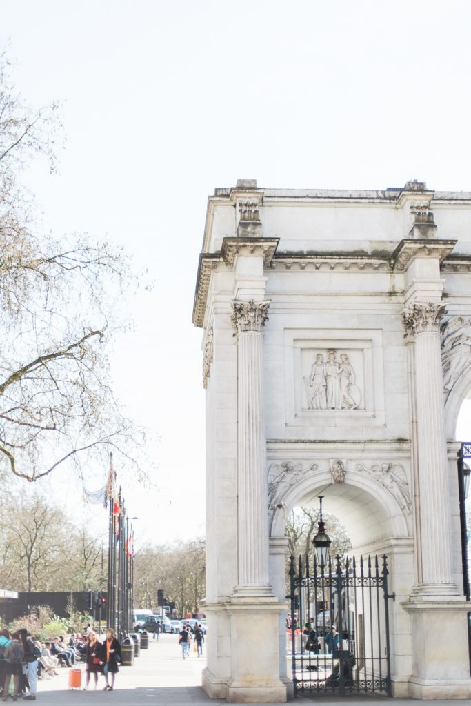 Marble Arch in London by UK Wedding Photographer Jade Osborne Photography